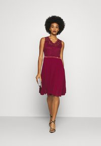 WAL G. - SKYLAR DRESS - Iltapuku - wine - 1