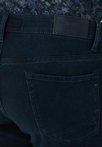 BRAX - STYLE CHUCK - Jeans slim fit - knight blue used - 5