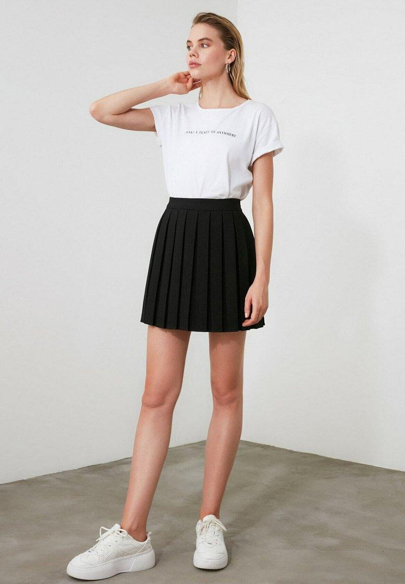 Trendyol - A-line skirt - black