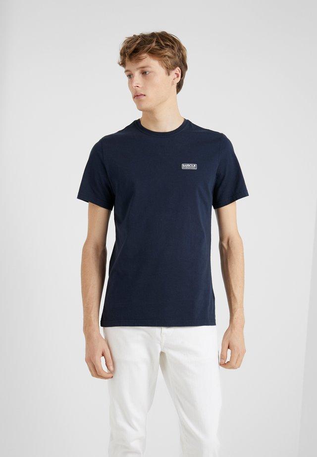 ESSENTIAL SMALL LOGO TEE - Basic T-shirt - navy