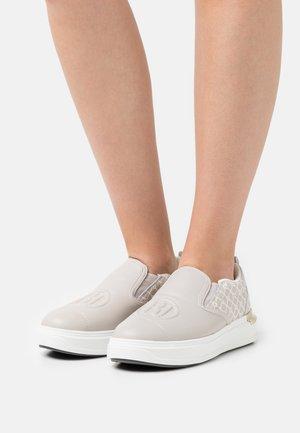 Sneakers laag - grey light