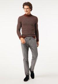 Pierre Cardin - Trousers - grau - 1