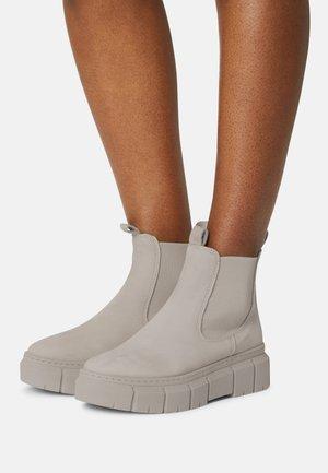 Platform ankle boots - soft grey