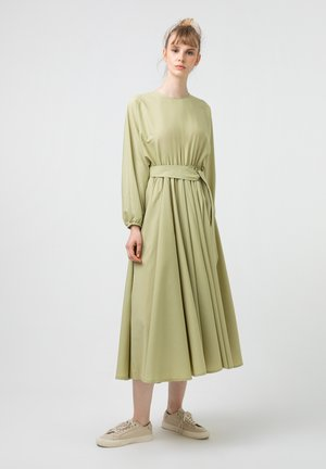 WITH BELT - Day dress - green