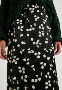Vila - Pencil skirt - black - 4