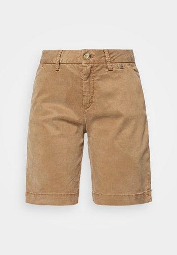 LOVELY POWERSTRETCH - Shorts - light almond