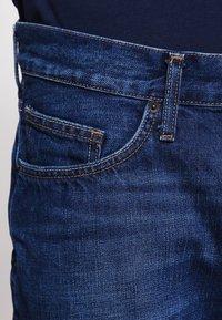 Tommy Hilfiger - MERCER - Straight leg jeans - midle blue - 4