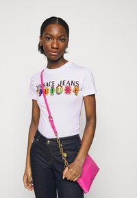 Versace Jeans Couture - TEE - Print T-shirt - optical white - 3