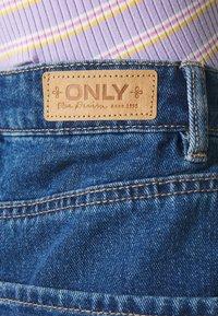 ONLY - ONLVEGA LIFE MOM - Denim shorts - medium blue denim - 4