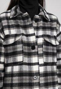 JDY - UMALA LONG CHECK JACKET - Classic coat - black - 4