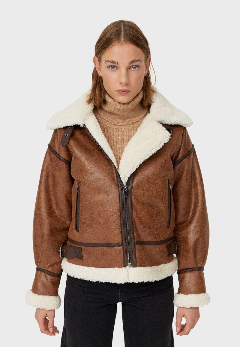 Stradivarius - Light jacket - brown