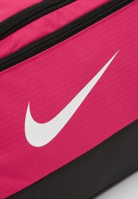 Nike Performance - Bolsa de deporte - rush pink/black/white - 7
