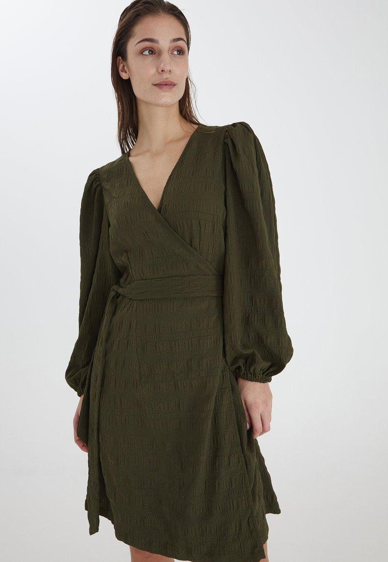 ICHI - IXHELEN DR - Cocktail dress / Party dress - beech