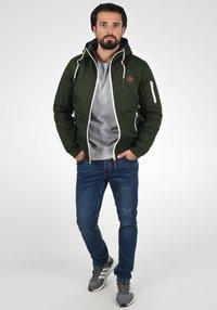 Solid - TILLY - Light jacket - olive - 1