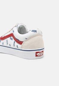 Vans - OLD SKOOL UNISEX - Trainers - true white - 6