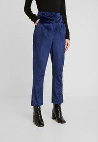 Fashion Union - ELVIS TROUSER - Trousers - navy - 0