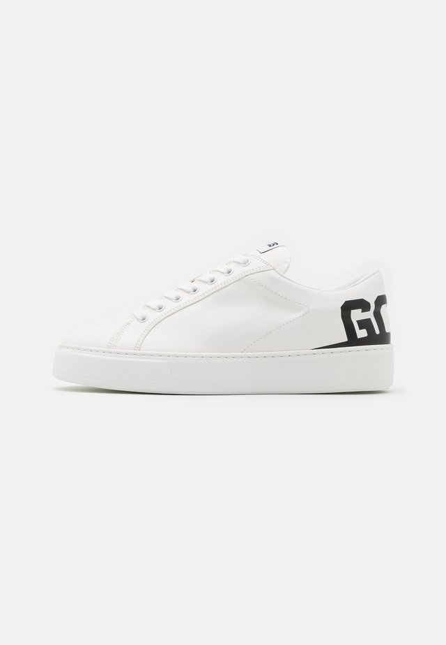 BUCKET  - Trainers - white/black