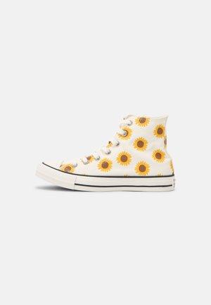 CHUCK TAYLOR ALL STAR - Sneakers hoog - egret/clove brown/amarillo
