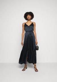 Club Monaco - DOUBLE SLIP DRESS - Pouzdrové šaty - navy - 1