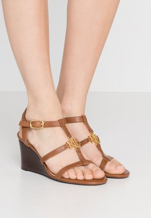 CHARLTON CASUAL WEDGE - Wedge sandals - deep saddle tan