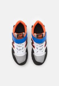 New Balance - YV996MBO - Trainers - blue/orange - 3
