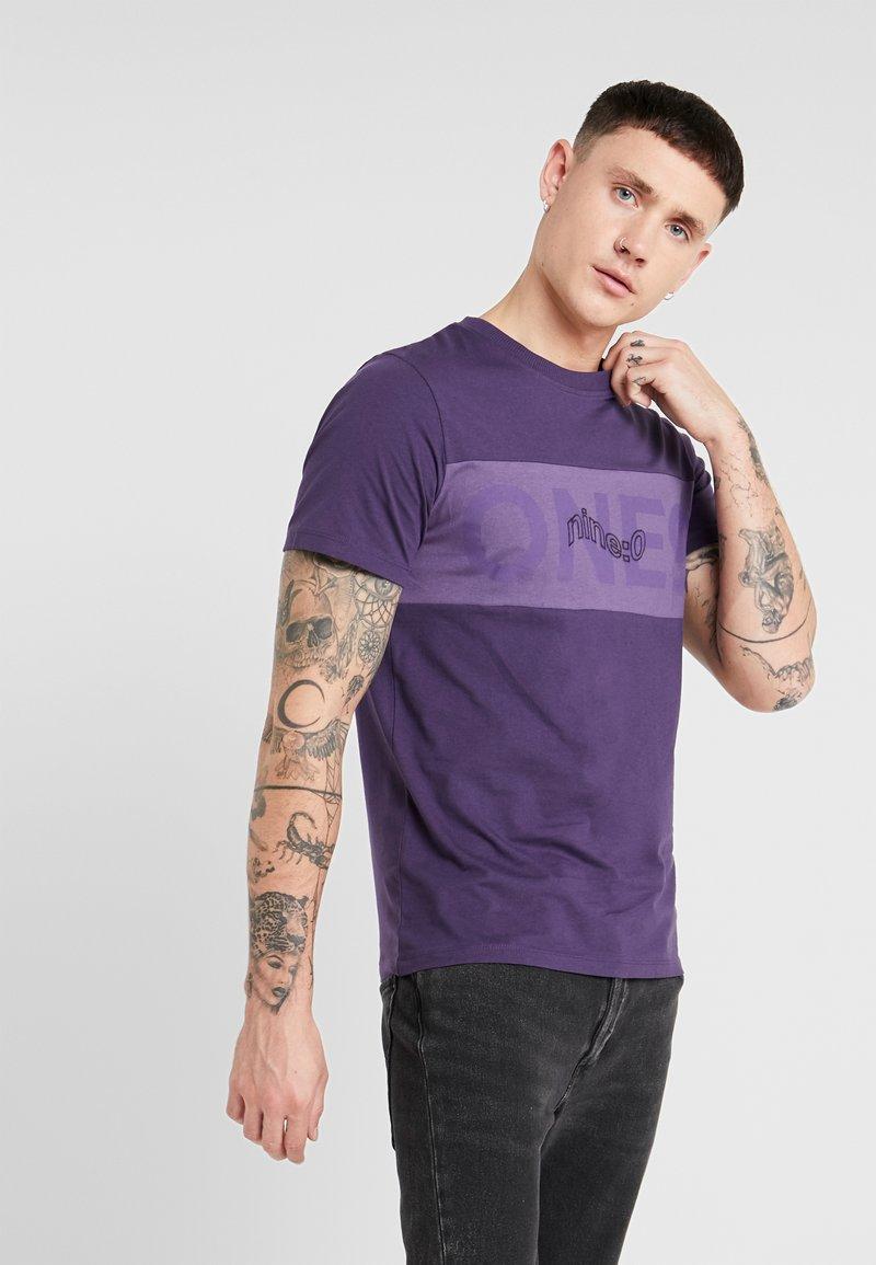 Jack & Jones - JCOPAULO TEE SLIM FIT - T-shirt med print - purple