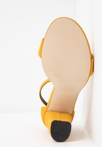 Call it Spring - TAYVIA  - Sandaler med høye hæler - dark yellow - 6