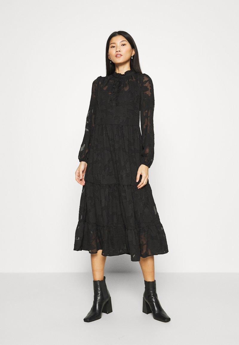 Cream - CRJELENA DRESS 2-IN-1 - Shirt dress - pitch black
