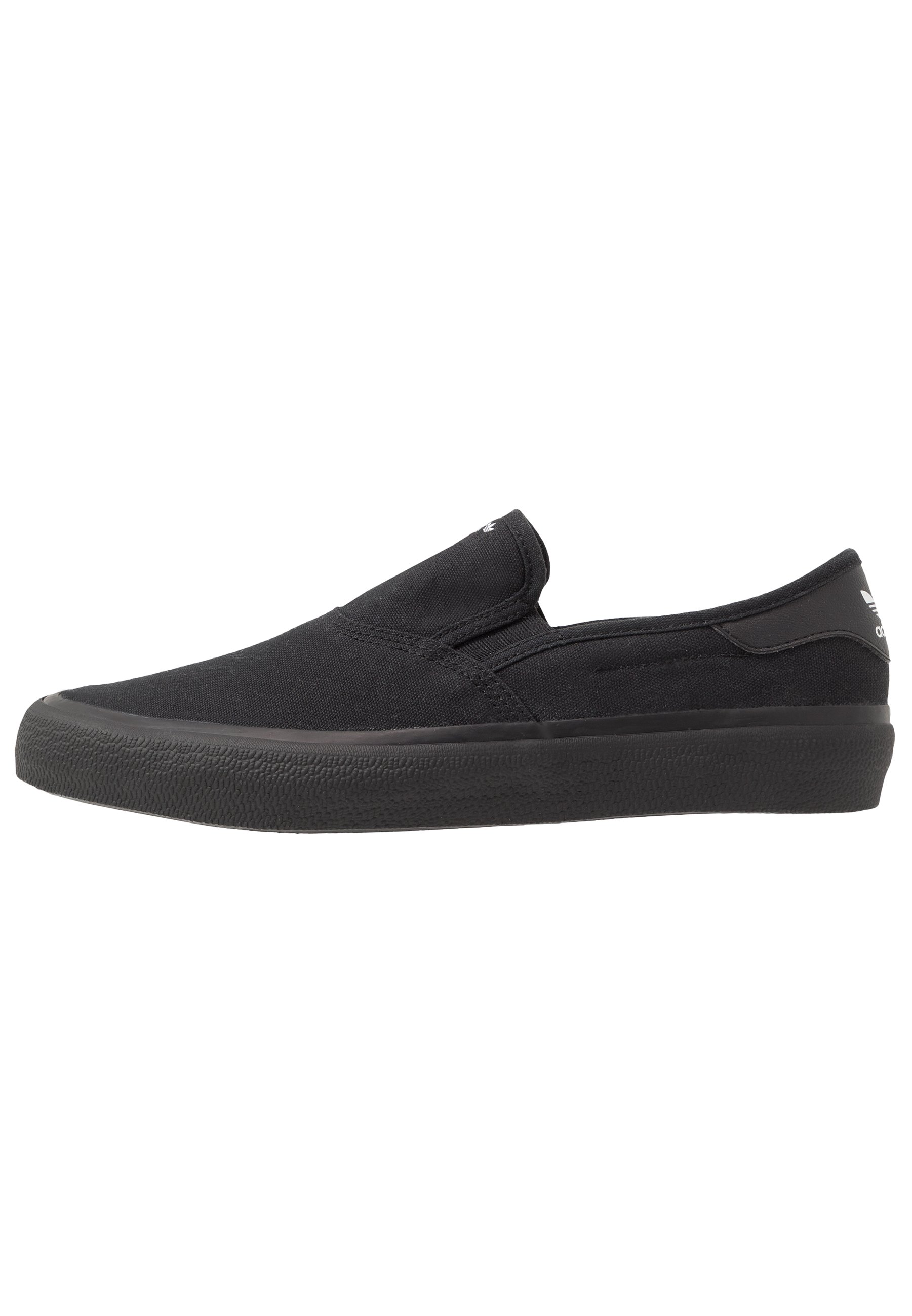 3MC Slip ins core blackfootwear white