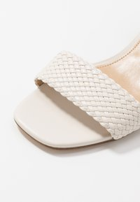 MICHAEL Michael Kors - PETRA MID - Sandaler - light cream - 2