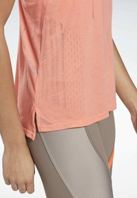 Reebok - BURNOUT TANK TOP - Topper - salmon - 3