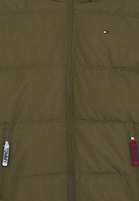 Tommy Hilfiger - ESSENTIAL PADDED JACKET - Zimní bunda - green - 3