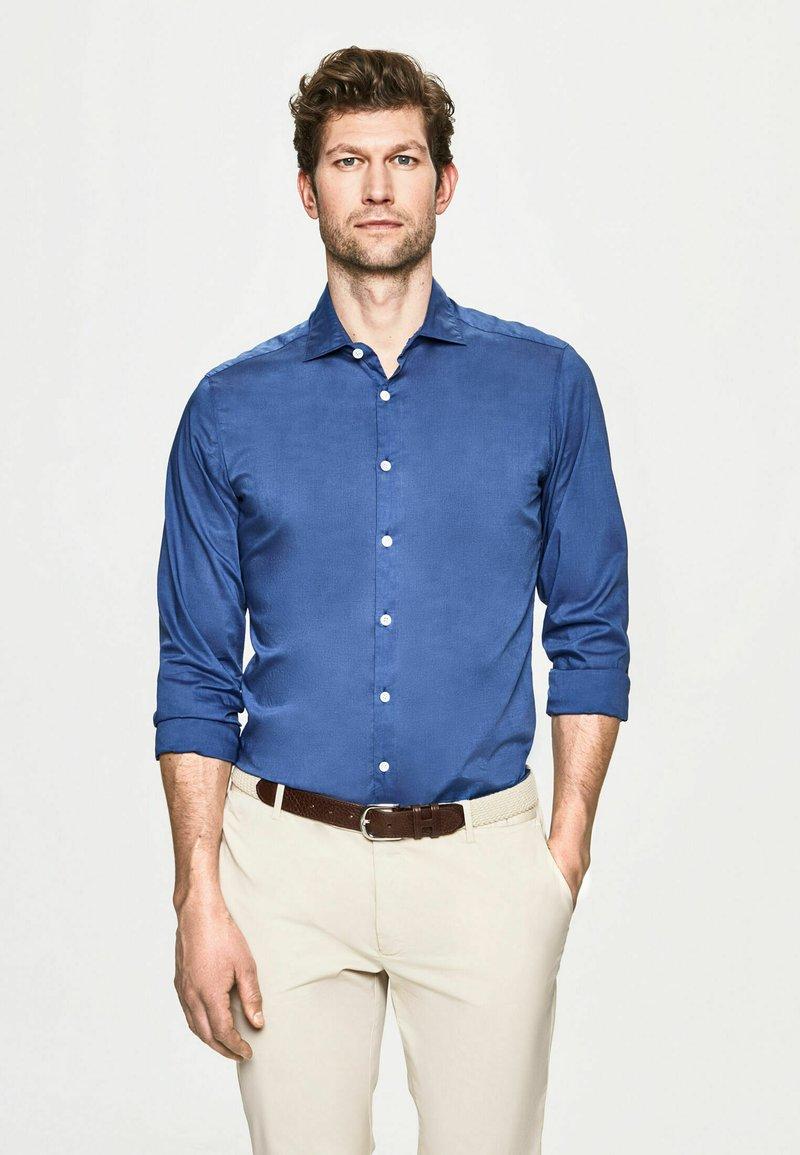 Hackett London - POPLIN - Shirt - marina