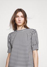 Bruuns Bazaar - SEER ADELAIA BLOUSE - Blouse - black/white - 3