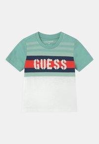 Guess - Print T-shirt - mint - 0