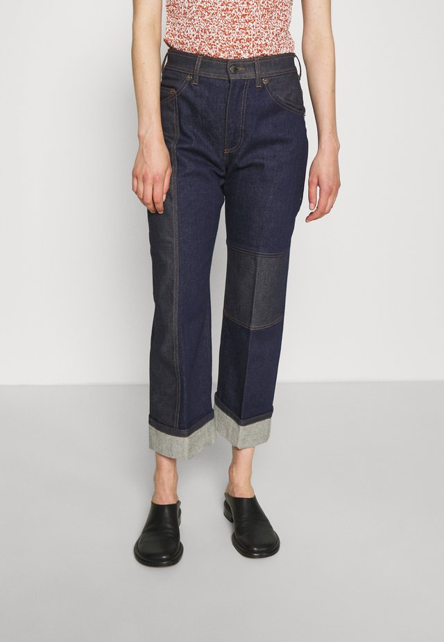 TWO TONE WIDE TUBE LEG JEANS WITH HIGH TURN UP CUFF - Džíny Relaxed Fit - dark indigo/indigo