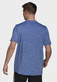 adidas Performance - M HT EL TEE - T-shirt z nadrukiem - blue - 1