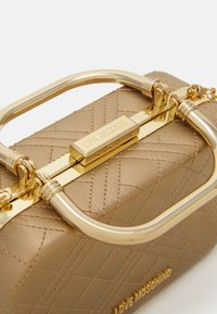 Love Moschino - EVENING BAG - Clutch - gold - 3