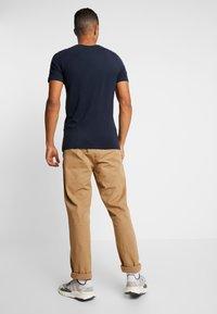 Jack & Jones - JCOBUBBLE TEE CREW NECK SLIM FIT - Print T-shirt - sky captain - 2