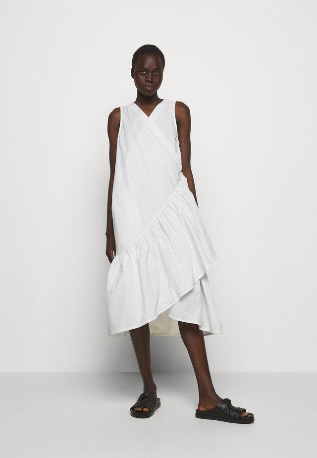 BLAZE DRESS - Sukienka letnia - white