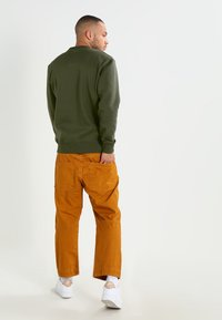 Alpha Industries - BASIC  - Sweatshirt - dark green - 2
