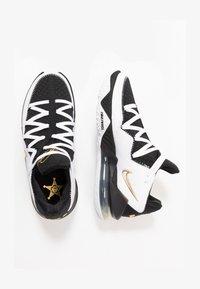 LEBRON XVII LOW - Basketbalschoenen - white/metallic gold/black