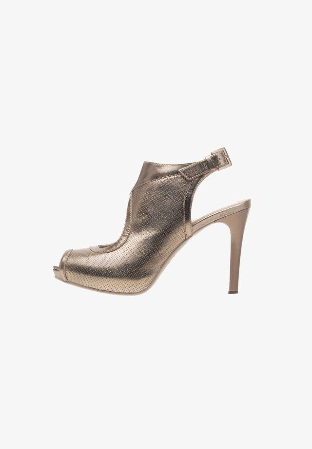 Sandalias - sandalo