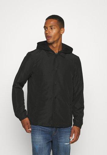 ONSMURPHY LIFE COACH JACKET - Summer jacket - black