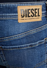Diesel - SLEENKER - Jeans Skinny - dark-blue denim - 5