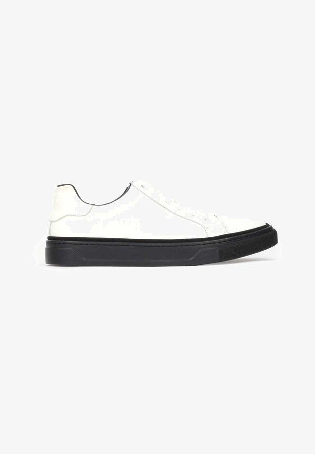 AJAKS - Sneakers laag - off-white