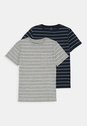 NKMVES 2 PACK - Print T-shirt - dark sapphire