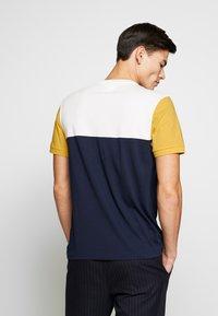 Lacoste - T-shirt imprimé - dark blue - 2