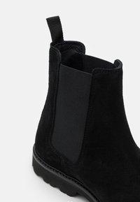 Mercer Amsterdam - CHELSEA - Classic ankle boots - black - 5