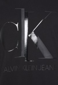 Calvin Klein Jeans - SHINY MONOGRAM TEE - Print T-shirt - black - 2